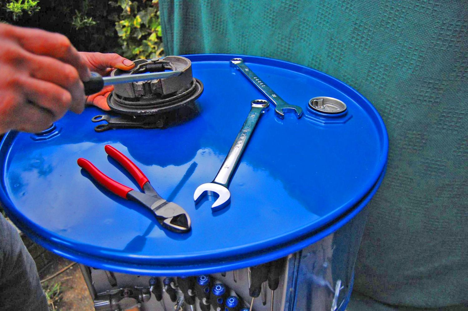 The Ultimate Toolbox - Drum Barrel Toolbox with rotating pegwalls holds tools and socket sets
