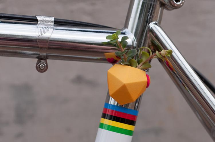 Mini magnetic planters for your bicycle - tiny plants you can attach to your bicycle