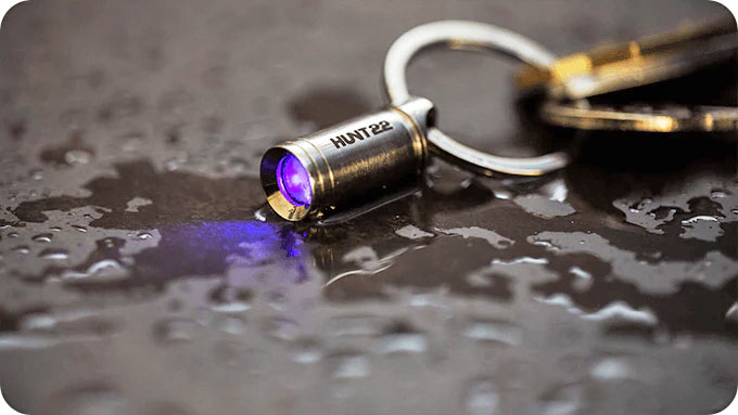 HUNT22 UV Flashlight
