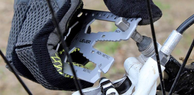 Lever Gear Toolcard Pro Multi-Tool - 40 tools in 1 - fits in your wallet