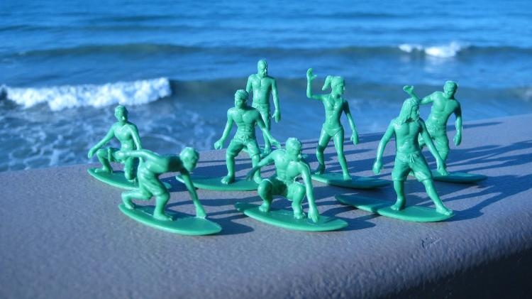 Toy Boarders - Little Green Army Men Surfers