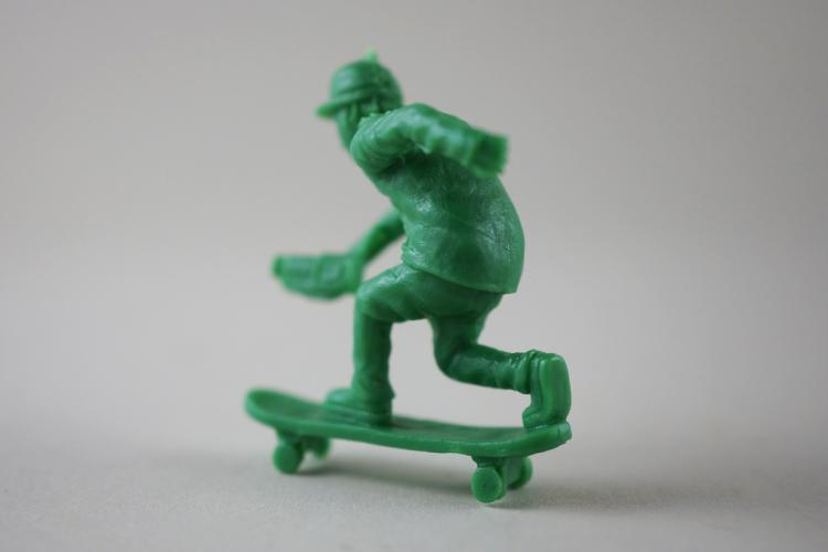 Toy Boarders - Little Green Army Men Skateboarders