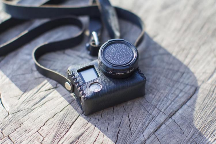 The Travler Is A Vintage Leather Case For Your Gopro