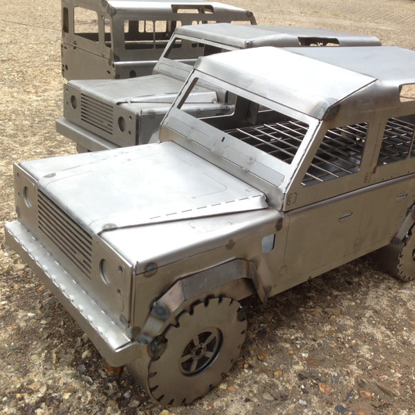 Land Rover Barbecue Grill - Land Rover Truck Metal BBQ