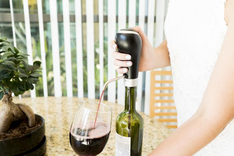 Waerator Wine Aerator Turns Your Bottle of Wine Into a Tap Dispenser - Wine bottle tap dispenser and aerator