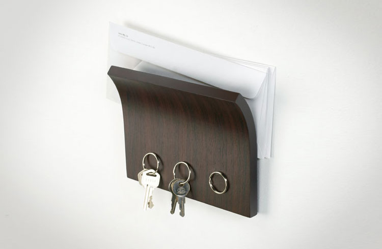 Wall Mounted Magnetic Key Holder And Organizer
