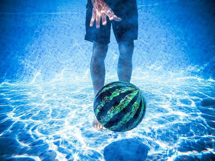 Watermelon Ball: Pool Ball That You Can Pass and Dribble Underwater