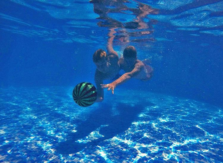 Watermelon ball pool ball that you can pass and dribble - Watermelon ball swimming pool game ...