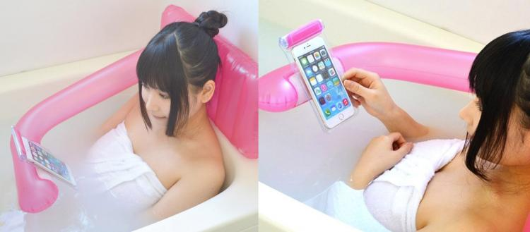 Coolest Japanese Gadgets - This Inflatable Bath Pillow Holds Your Phone While In The Tub