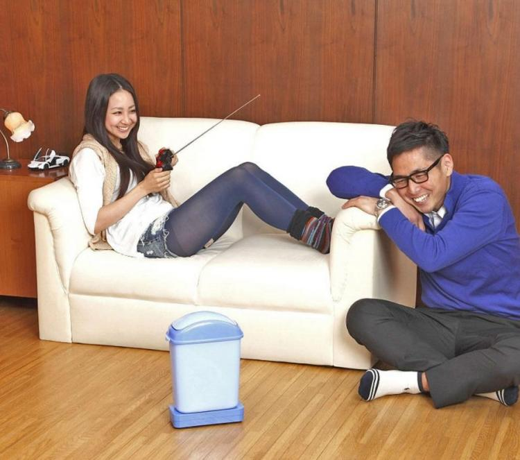 Coolest Japanese Gadgets - Remote Controlled Garbage Can Lets You Bring The Trash To You