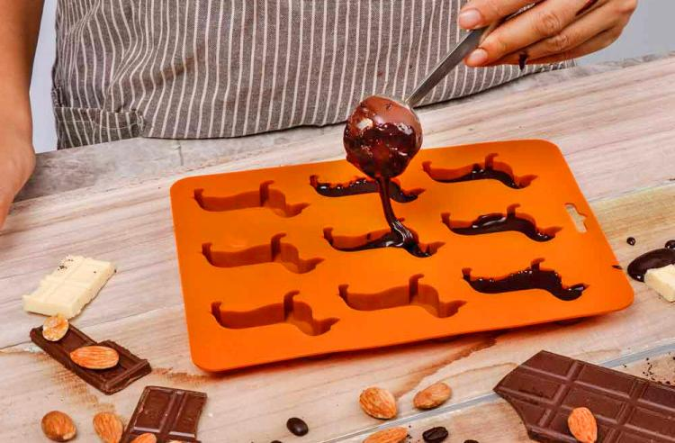 Wiener Dog Chocolate Mold - Dachshund Dog Chocolate Tray Mold
