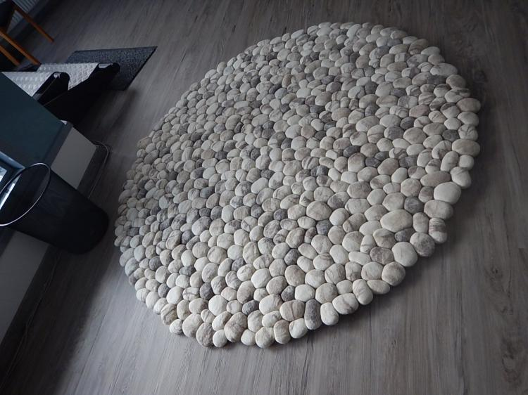 Incredible Wool Stones Rug Looks Like Connected Pebbles