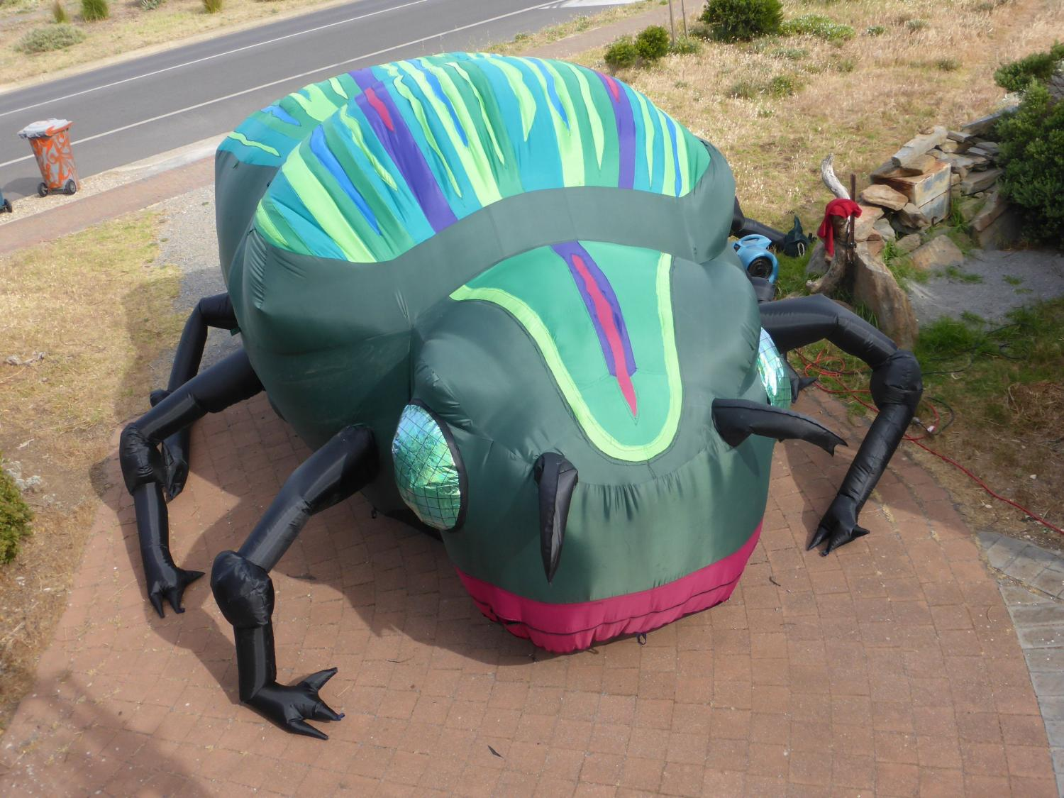 Giant inflatable dung beetle - Evelyn Roth