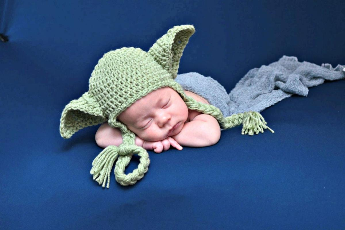 Adorable Knit Yoda Hat - Baby yoda crochet winter hat - Best star wars newborn photoshoot hat
