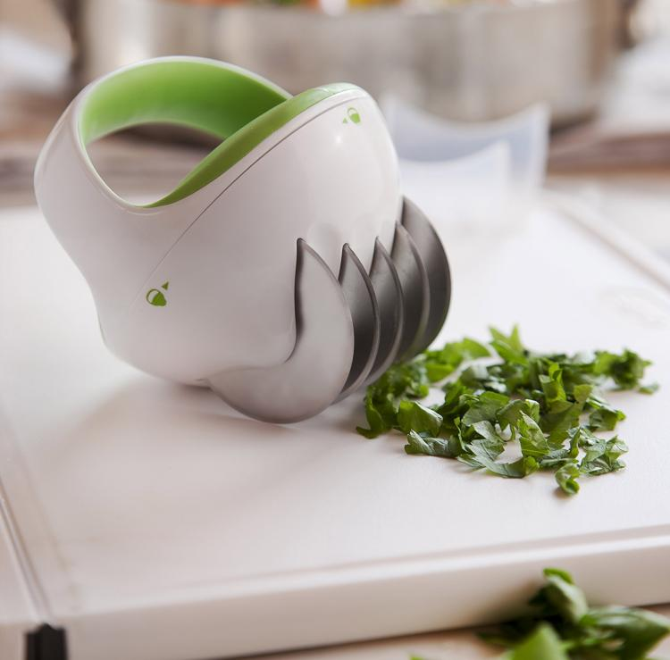 ZYLISS FastCut Herb Mincer - Roll over herbs kitchen tool