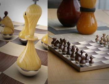 Wobbling Chess Set