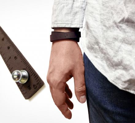 Wrist Ruler: A Wristband That Doubles as a Ruler